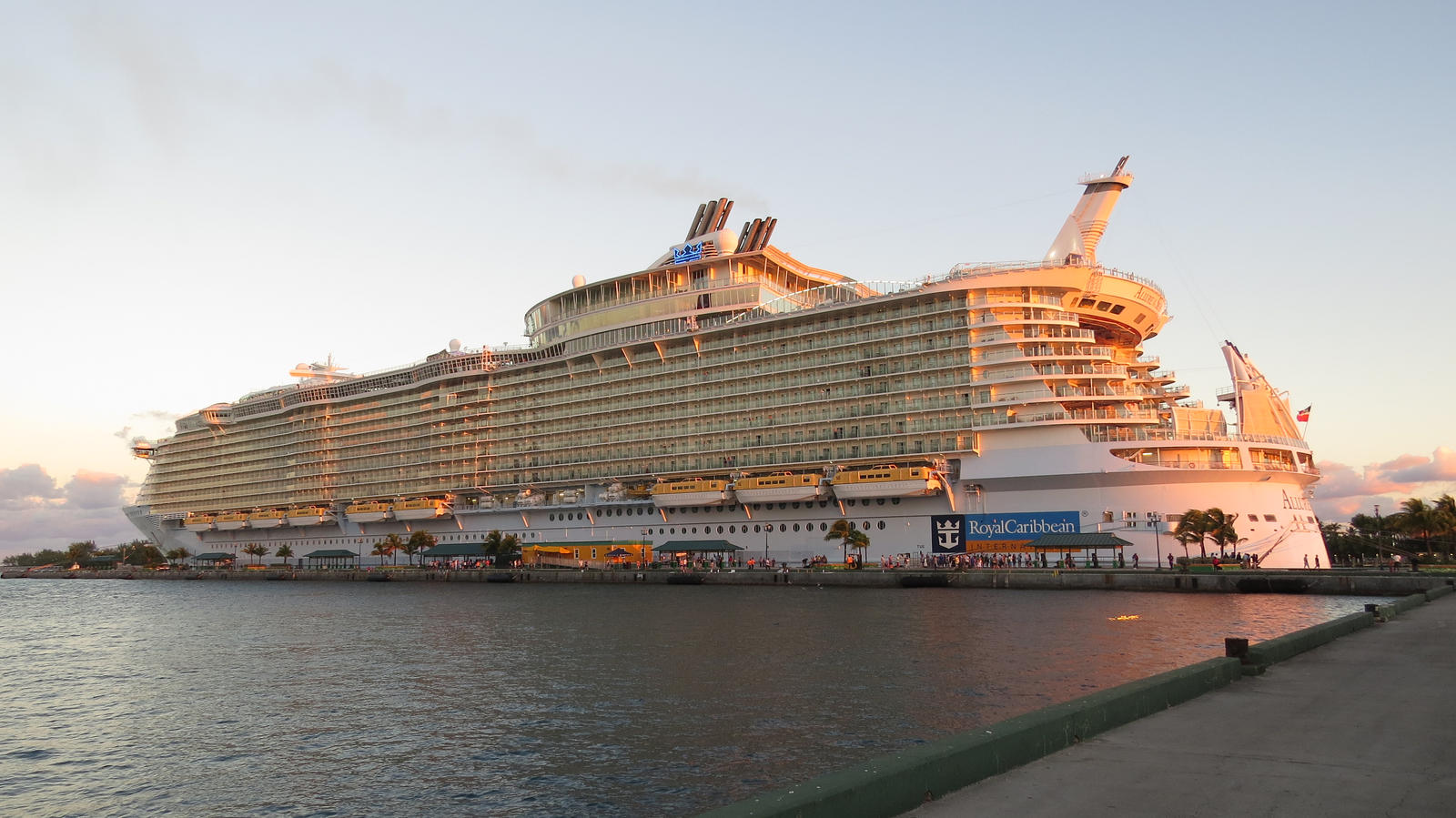 Allure of the seas at nassau by malidicus on deviantart - The allure of the modular home ...