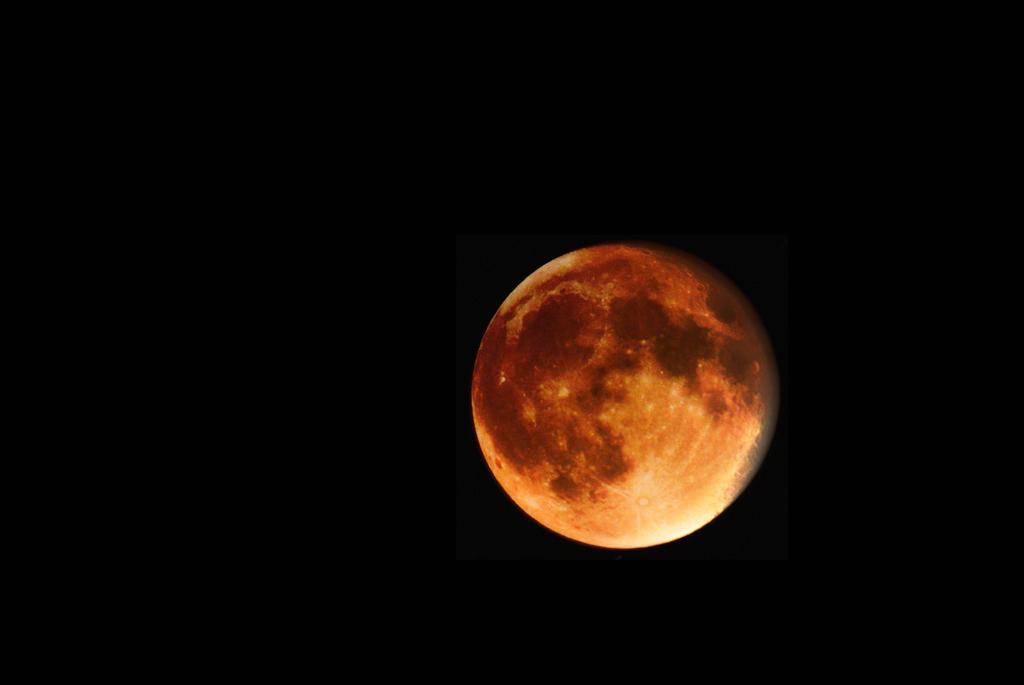 2015 Superblood Moon by geek96boolean10