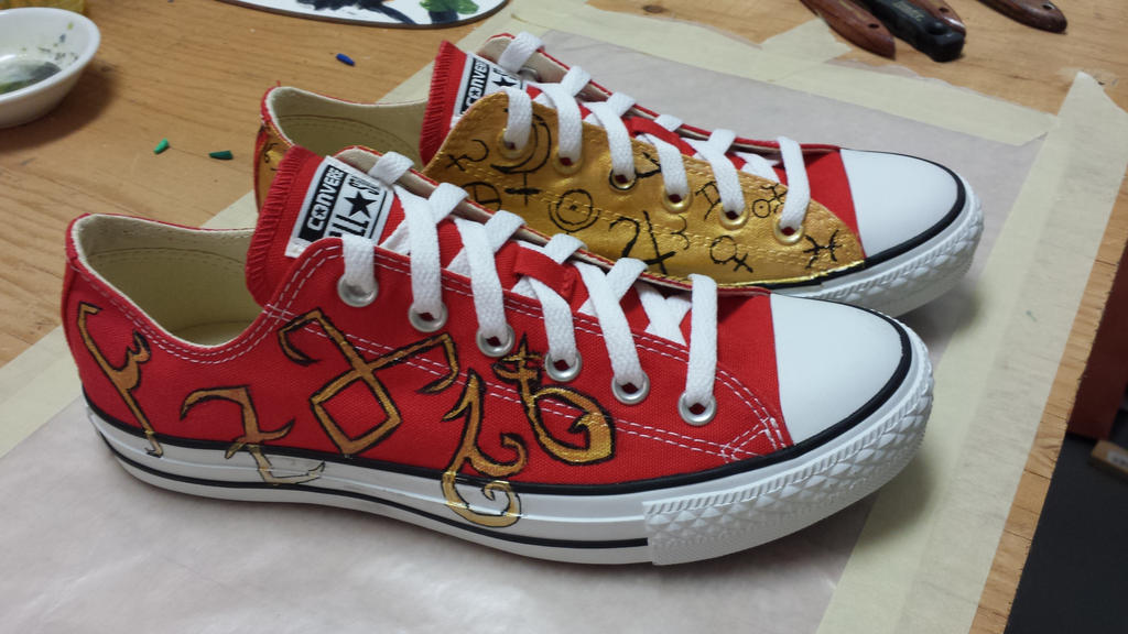 The Fangirl's Shoes side 2 by Pepper-Dragon