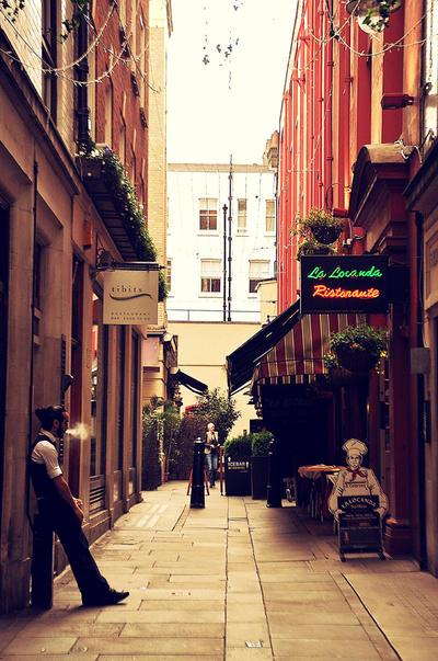 A London Summer Day by Asakurata