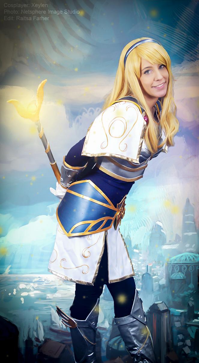 Light Mage? Lux - League of Legends by Xeylen