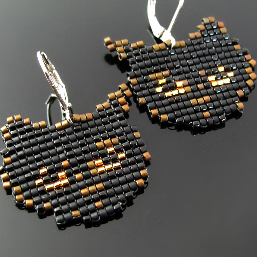 Bead loomed black cat earrings - HeatherCats by CatsWire