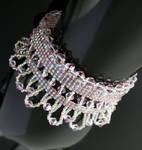 Bead loomed cube and crystal bracelet