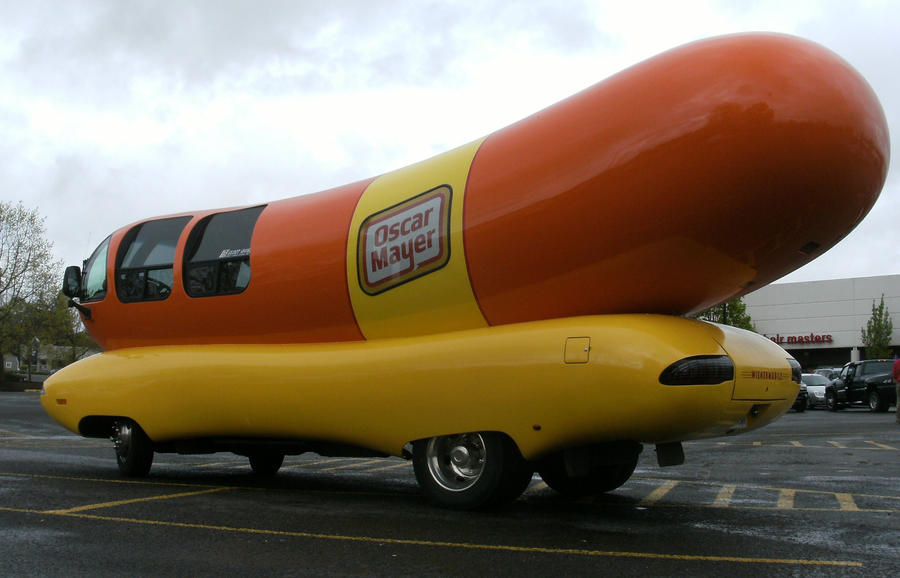 Oh I Wish I Were An Oscar Mayer Weiner in addition Pollas besides Oscar Meyer Weinermobile as well Auto Biografia besides 07. on weinermobile inside pictures