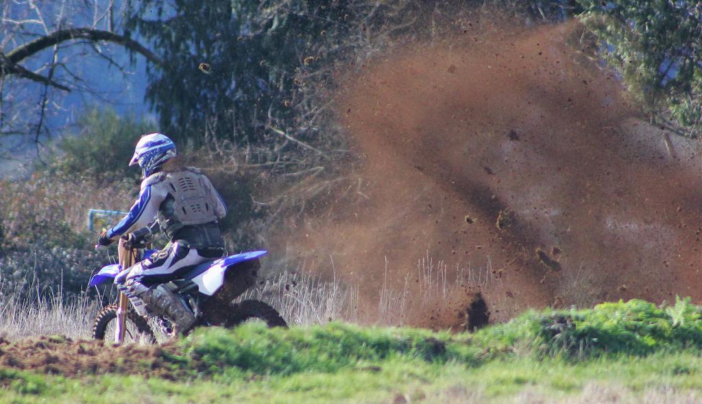 Kickin' up some dirt by finhead4ever