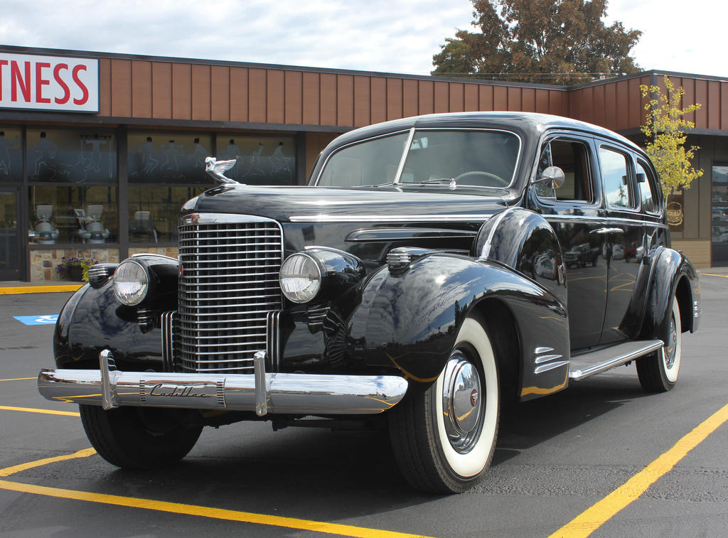1939 Cadillac V16 by finhead4ever
