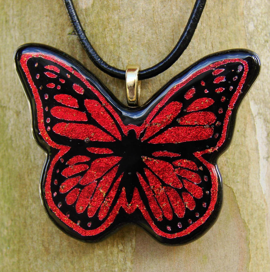 nakit -ukras ili umetnost - Page 3 Fused_glass_monarch_pendant_by_fusedelegance-d33kzpu
