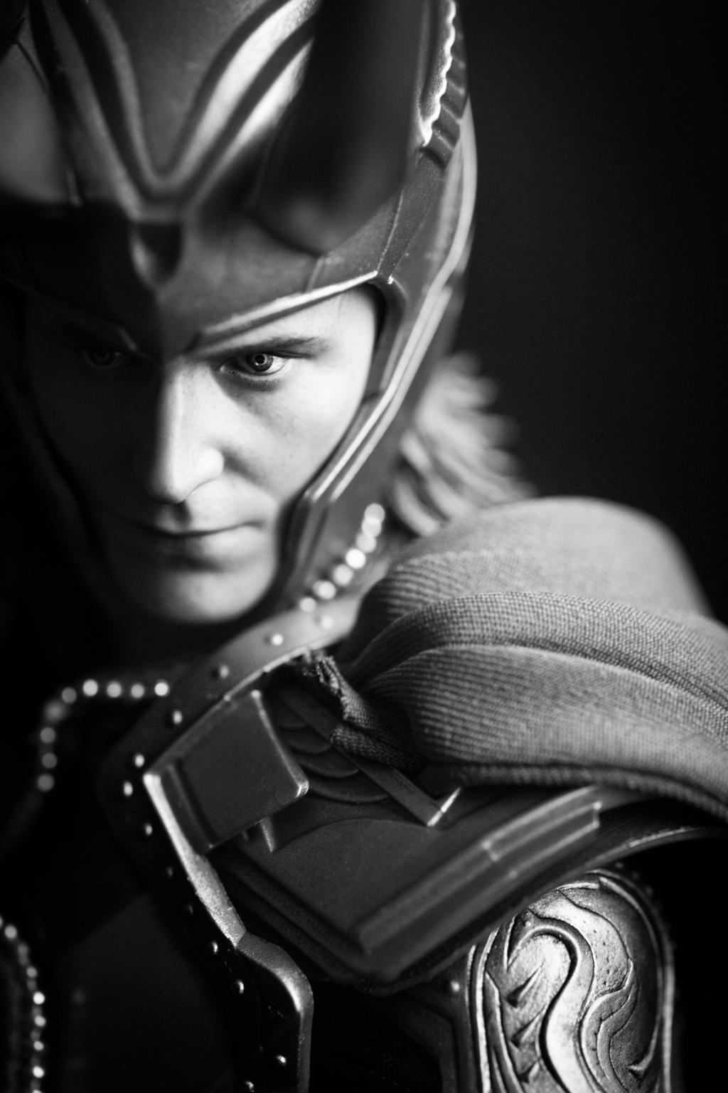 Hot Toys Loki by StudioKawaii