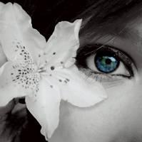 eye. by Nusaa