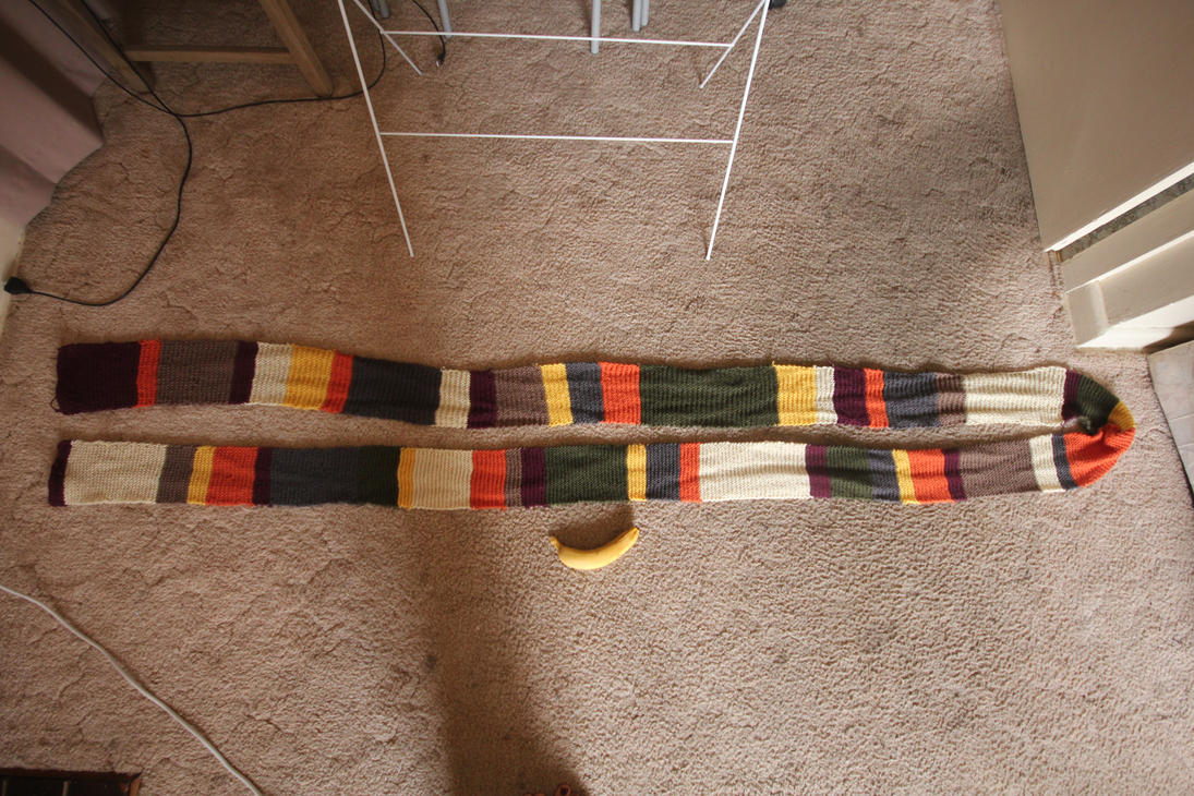 Hand knit Doctor Who scarf (4th Doctor) by sharvani