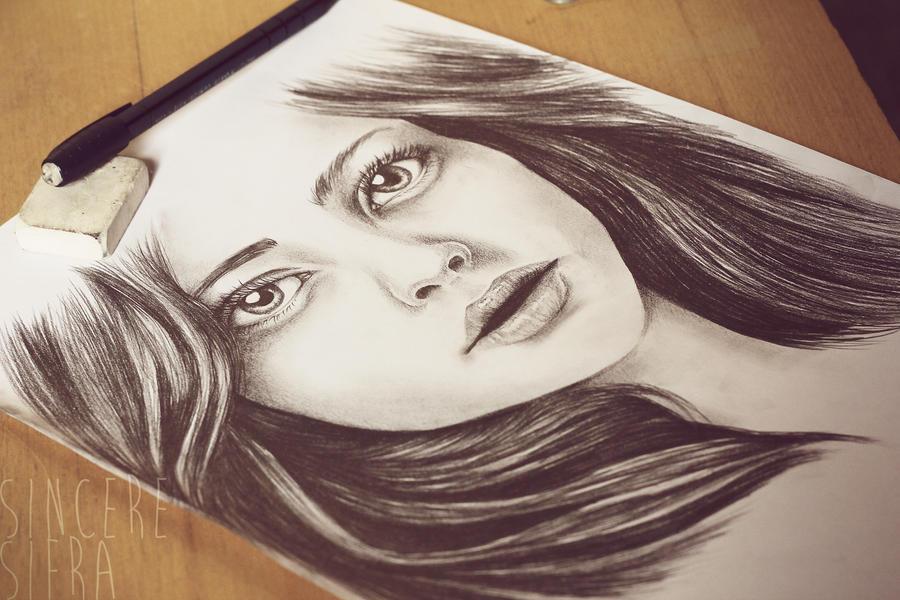 Amanda Seyfried by Arvensias