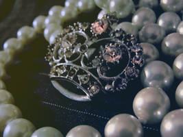 Crown by queendiamondz
