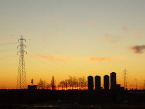 tramonto sulle costruzioni