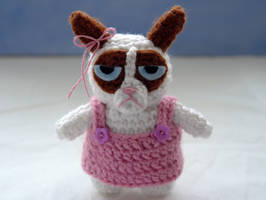 Crochet amigurumi Grumpy Cat by tinyAlchemy