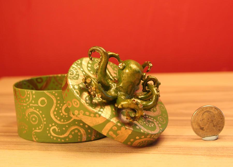 Octopus Box by erikamoen