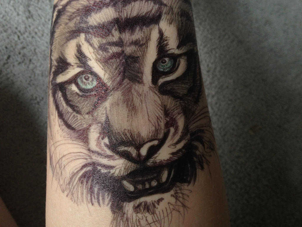 Tiger Pen Tattoo by savannahrcb