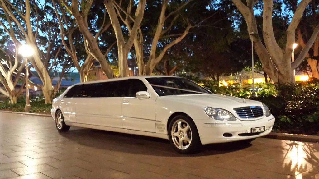 Wedding Limousine Hire Sydney by amorelimousinesau
