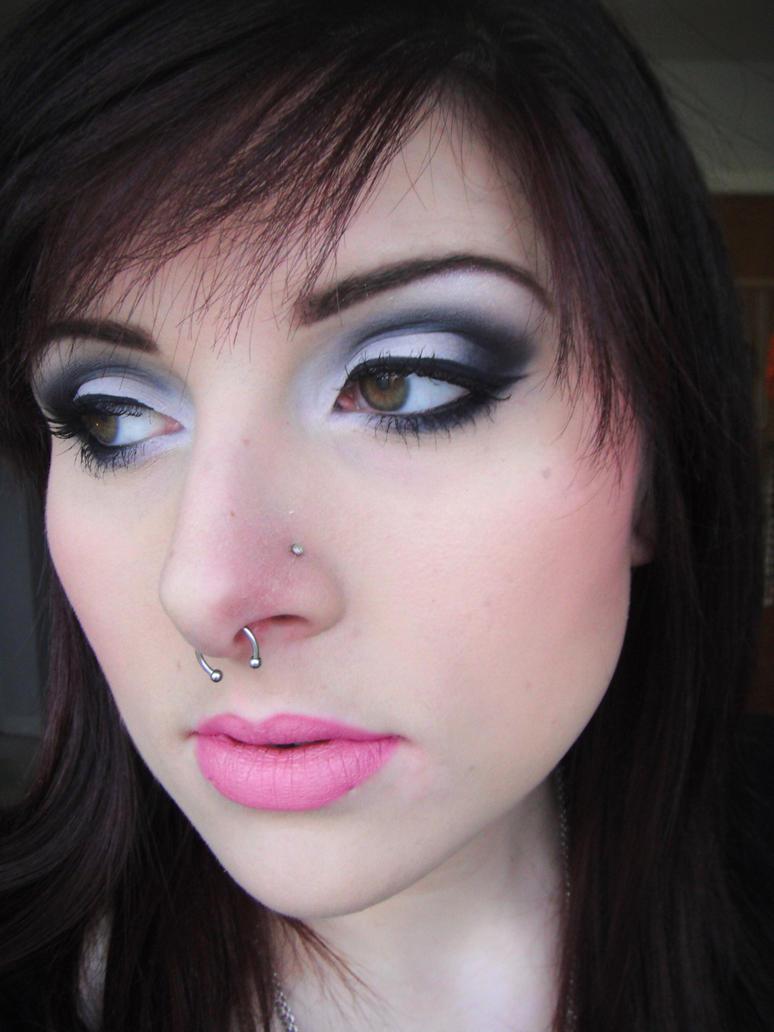 Queen B by itashleys-makeup