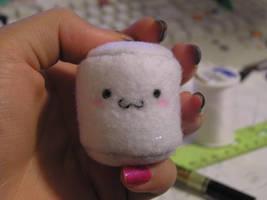 marshmallow plushie by starxxlight