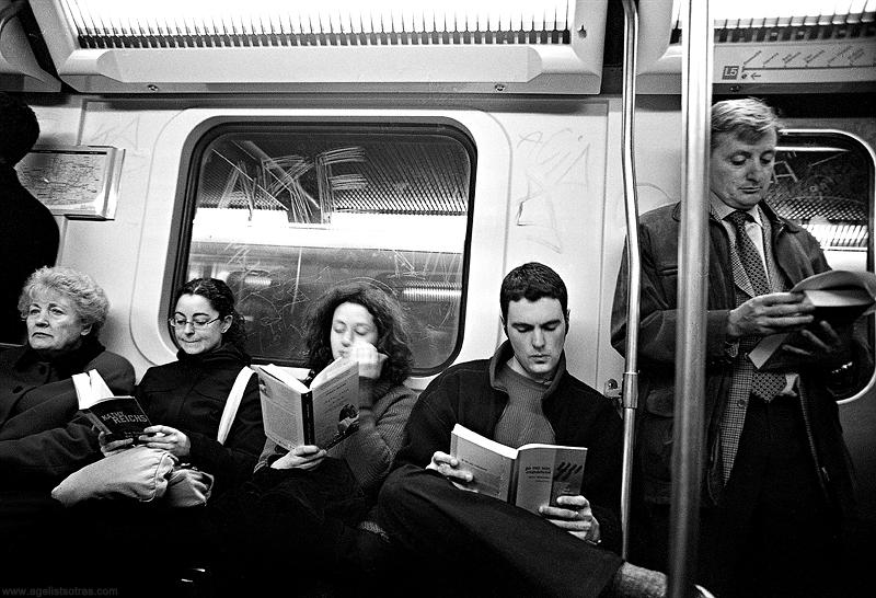 bcn metro reading by mrtso