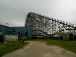Abandoned Six Flags 17 by nevertakemystock