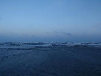 Ocean at dusk by BldngHrtCnsrvtv