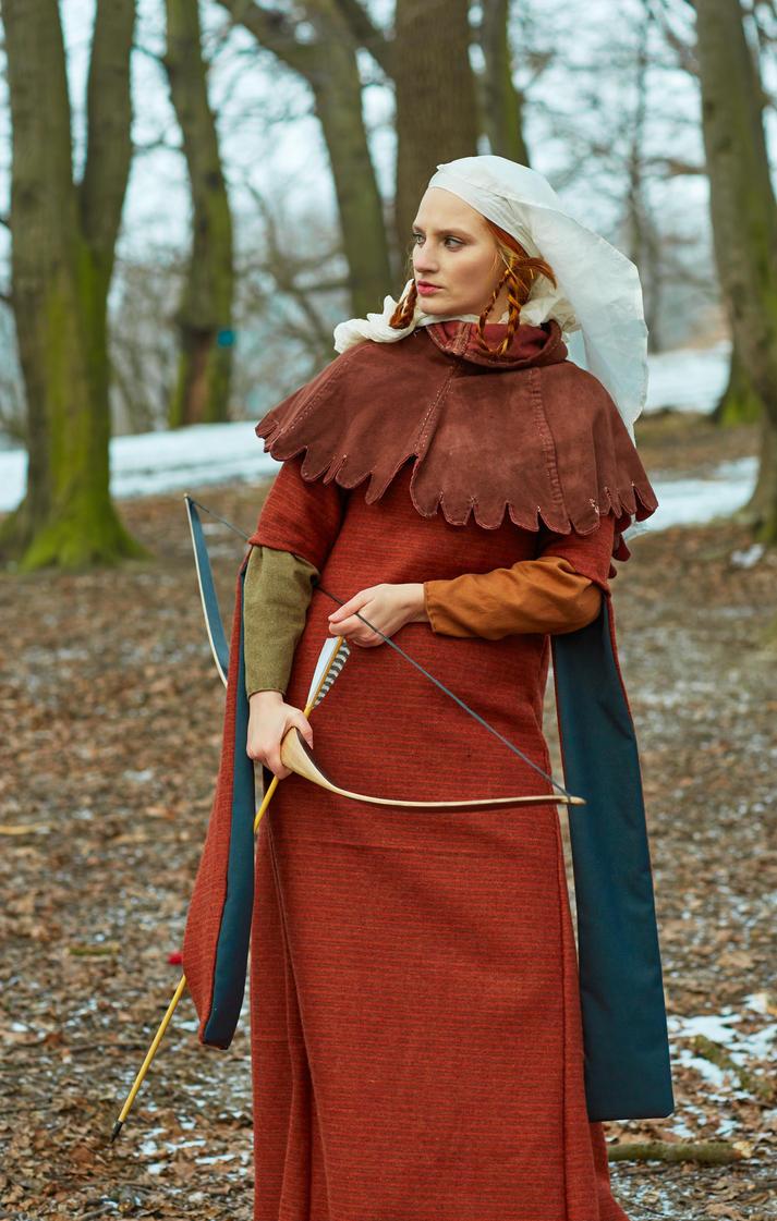 medieval huntress by Antalika