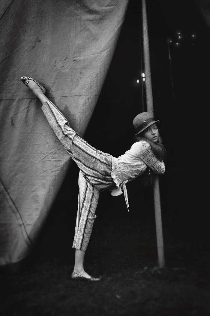 Circus Calibastra VI by smoozy