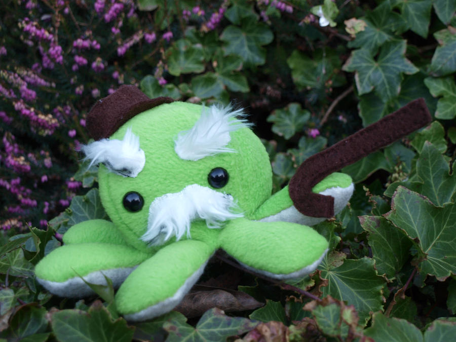 Ol' Man Octoplushie by Cautionary-threads