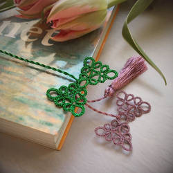 Spring Bow Bookmark