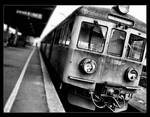 Train. by Parawan