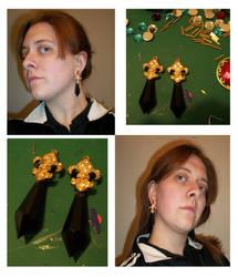 Black Moon Family Earrings by StariaChiba