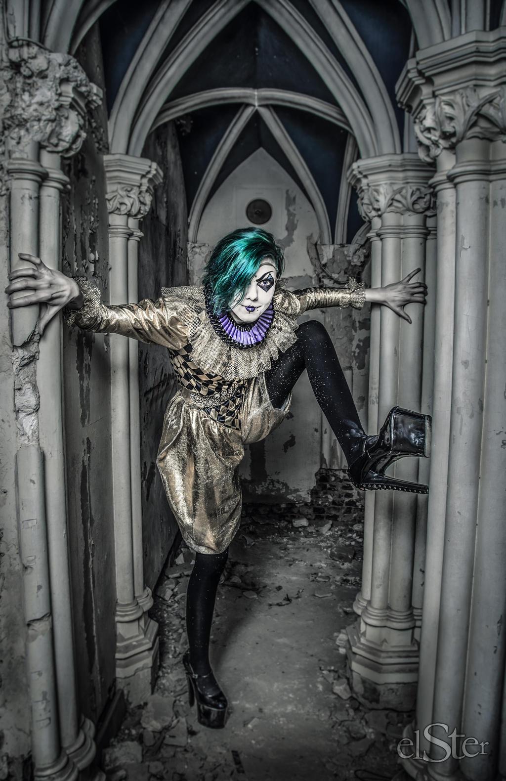 Lost Clown of the Castle.... by DieElster