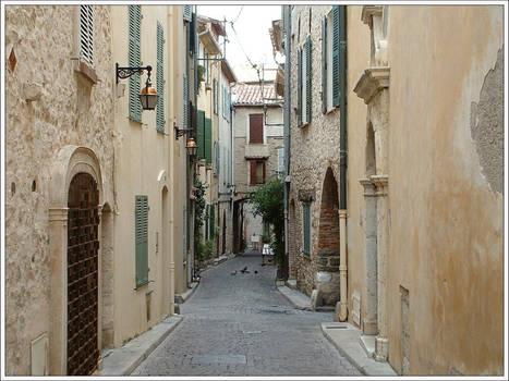 Vieil Antibes street