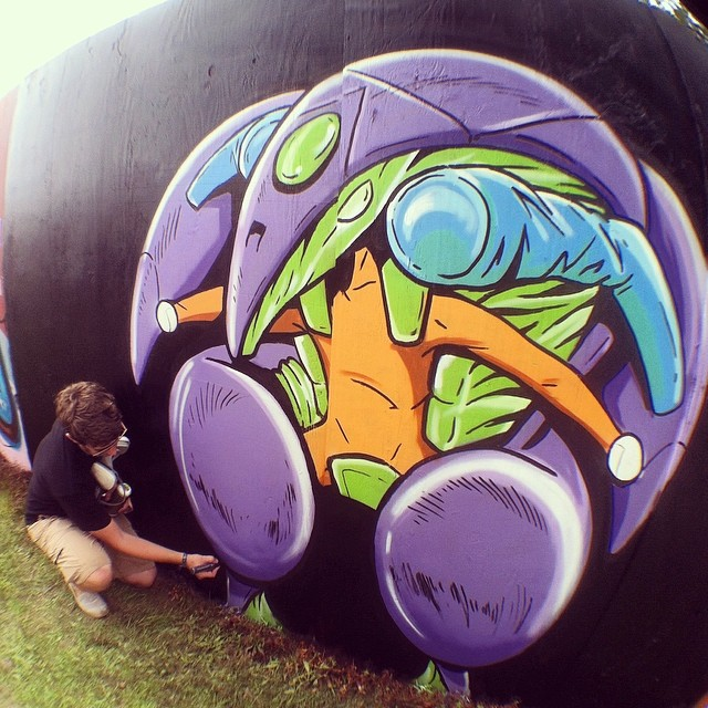 Orb Suit Mural 2 at Bonnaroo 2014 by danomano65