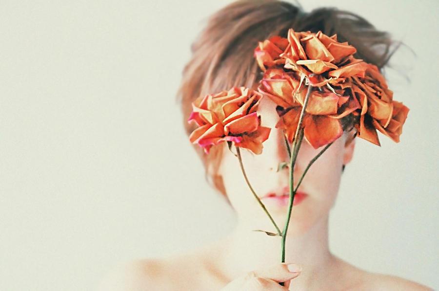 roseeyes II by LauraZalenga