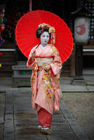 Posing Maiko by kimOSAKA