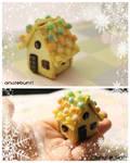 Miniature Gingerbread House (TUTORIAL LINK)