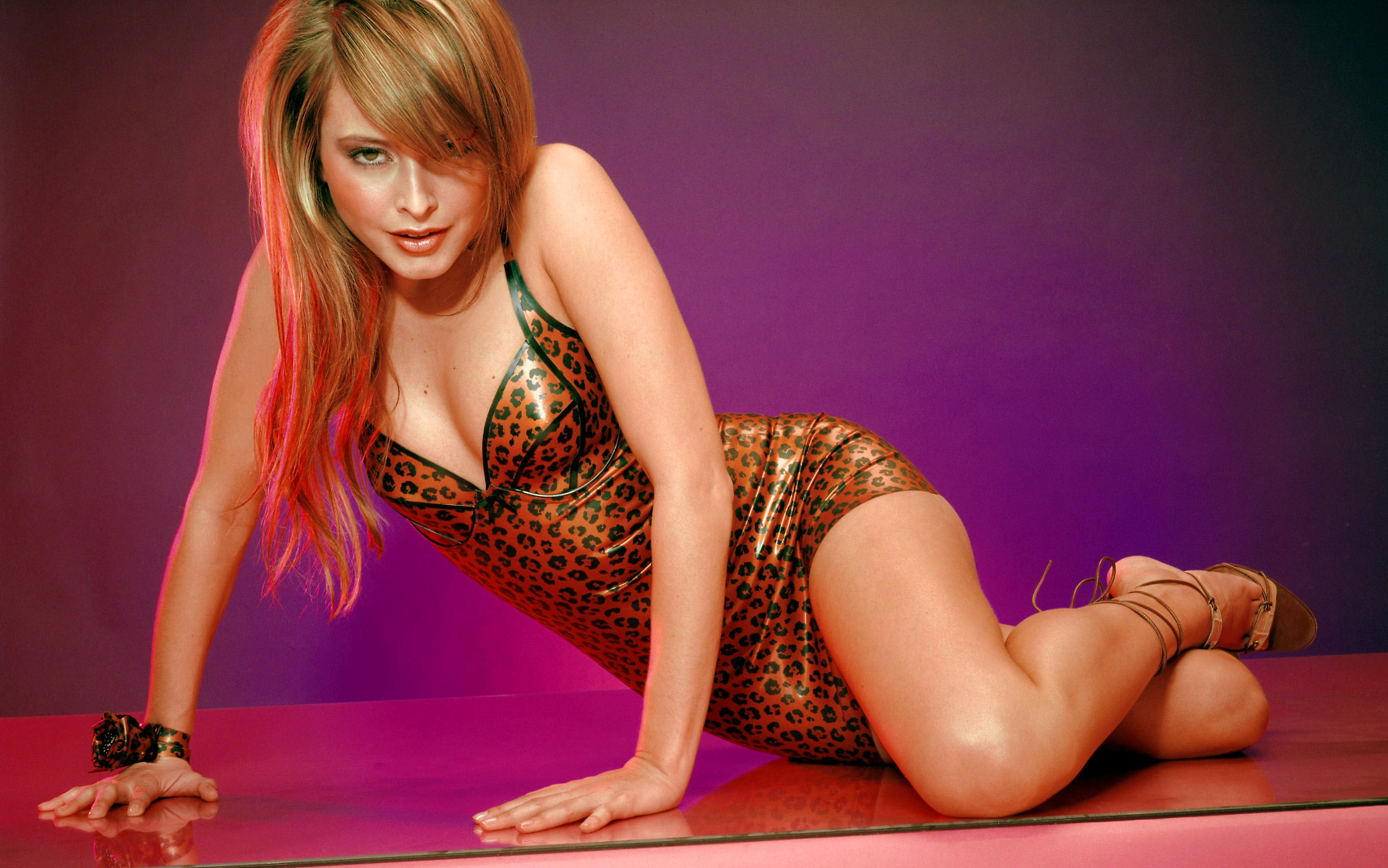 holly valance 2015