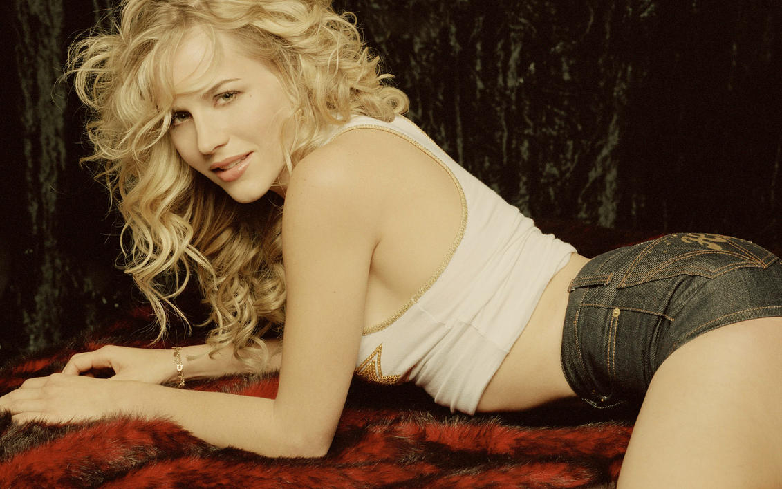 julie benz by floppe
