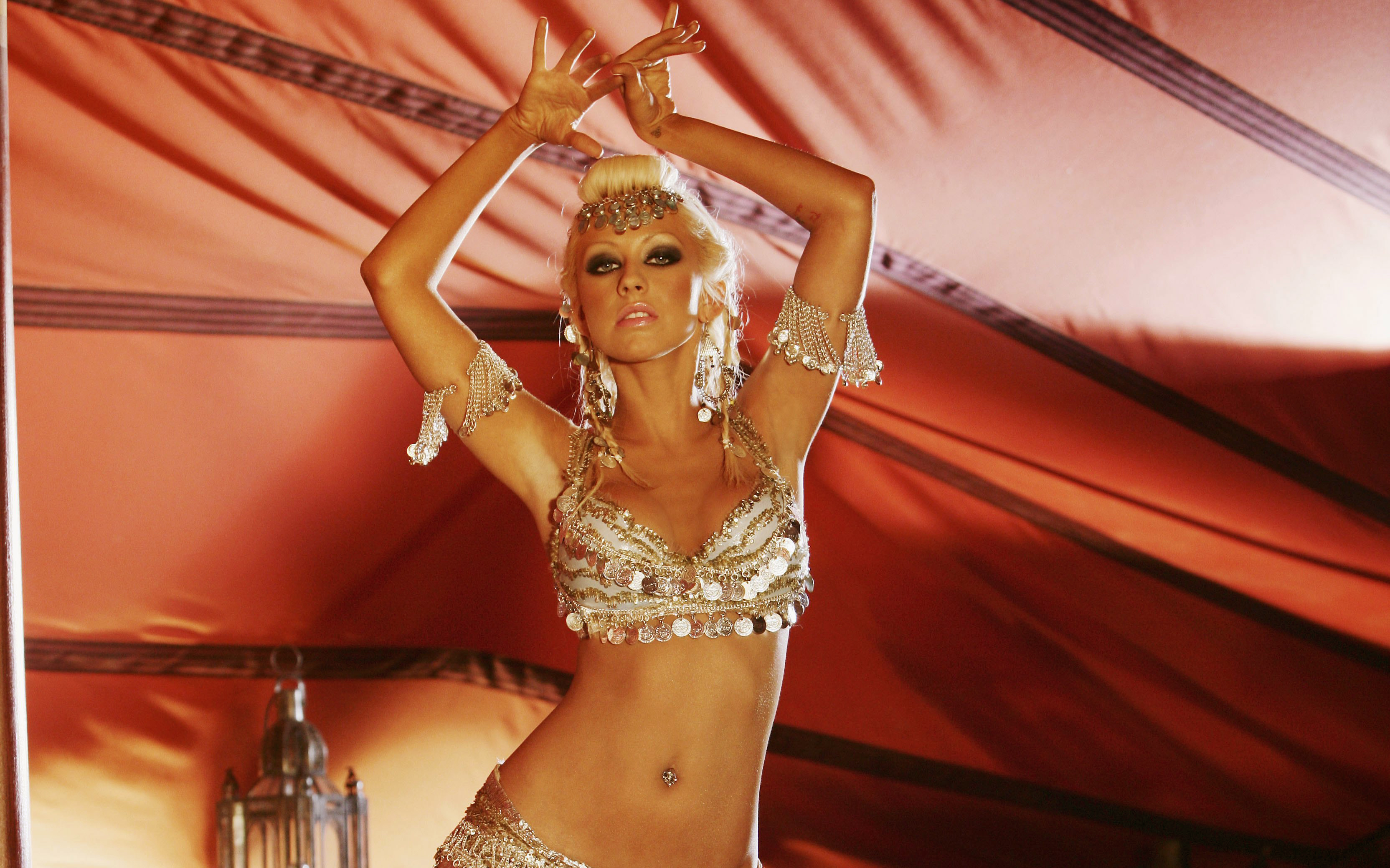 эротические танцуют клипы
