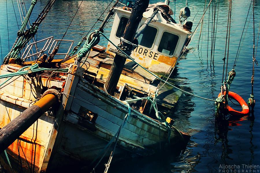 Sinking Stories by AljoschaThielen