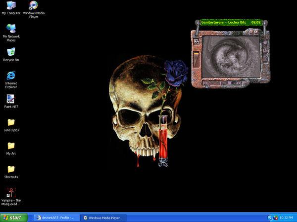 My Desktop by GangrelBloodline
