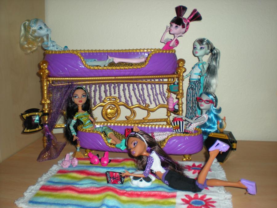 Monster High Dead Tired Group