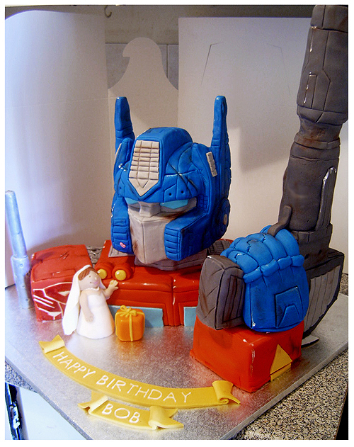 Optimus Prime cake by Cakerific