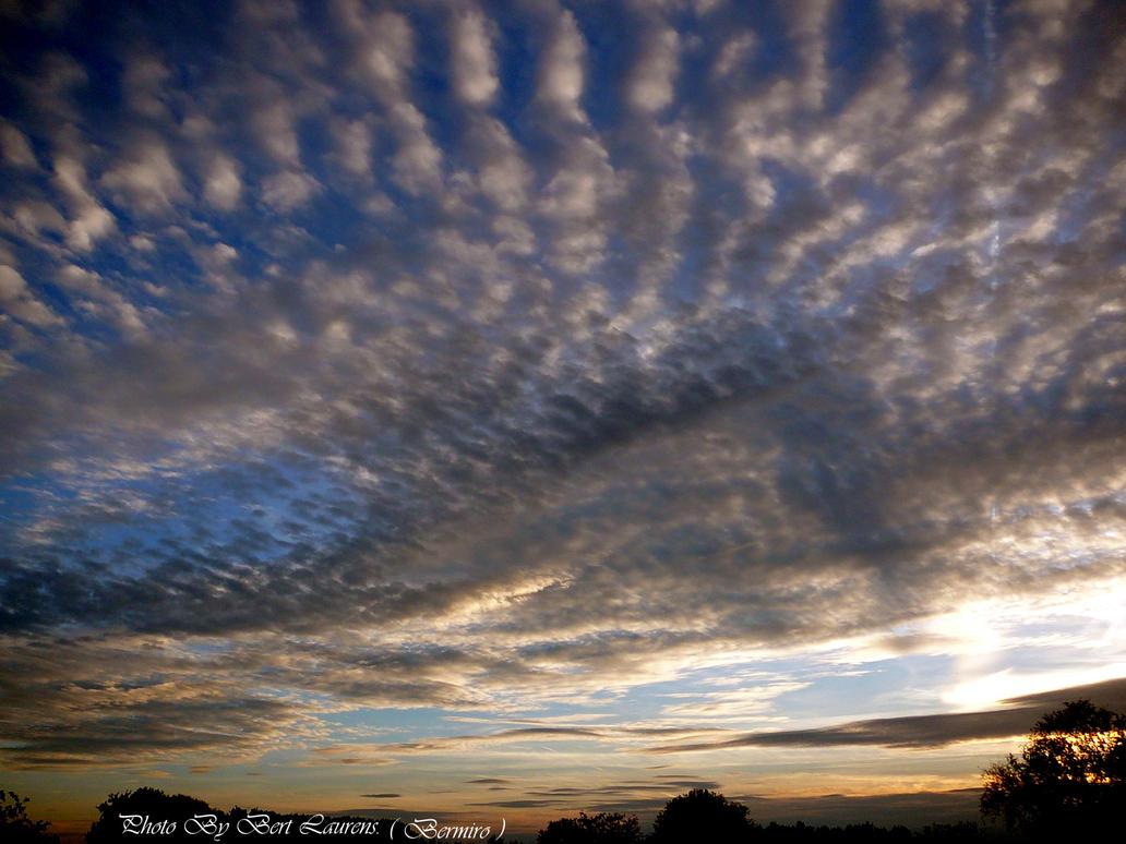 Altocumulus cloud by Bermiro