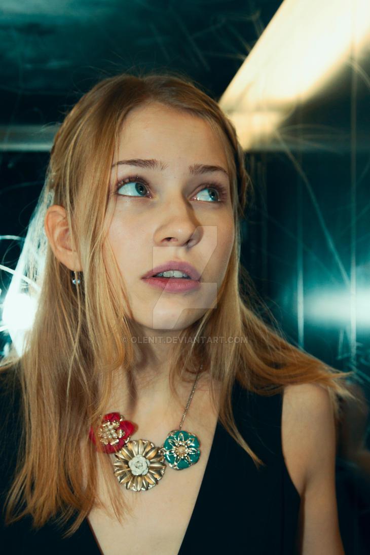Alice in Wonderland Modell Katherina Unger by OleNit