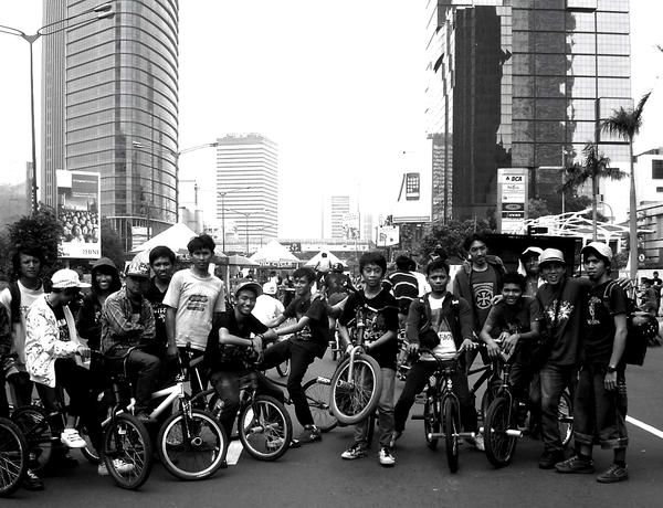 smile from BMX by kutuubocah