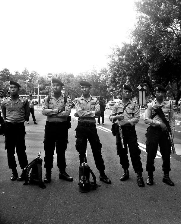 policemen by kutuubocah