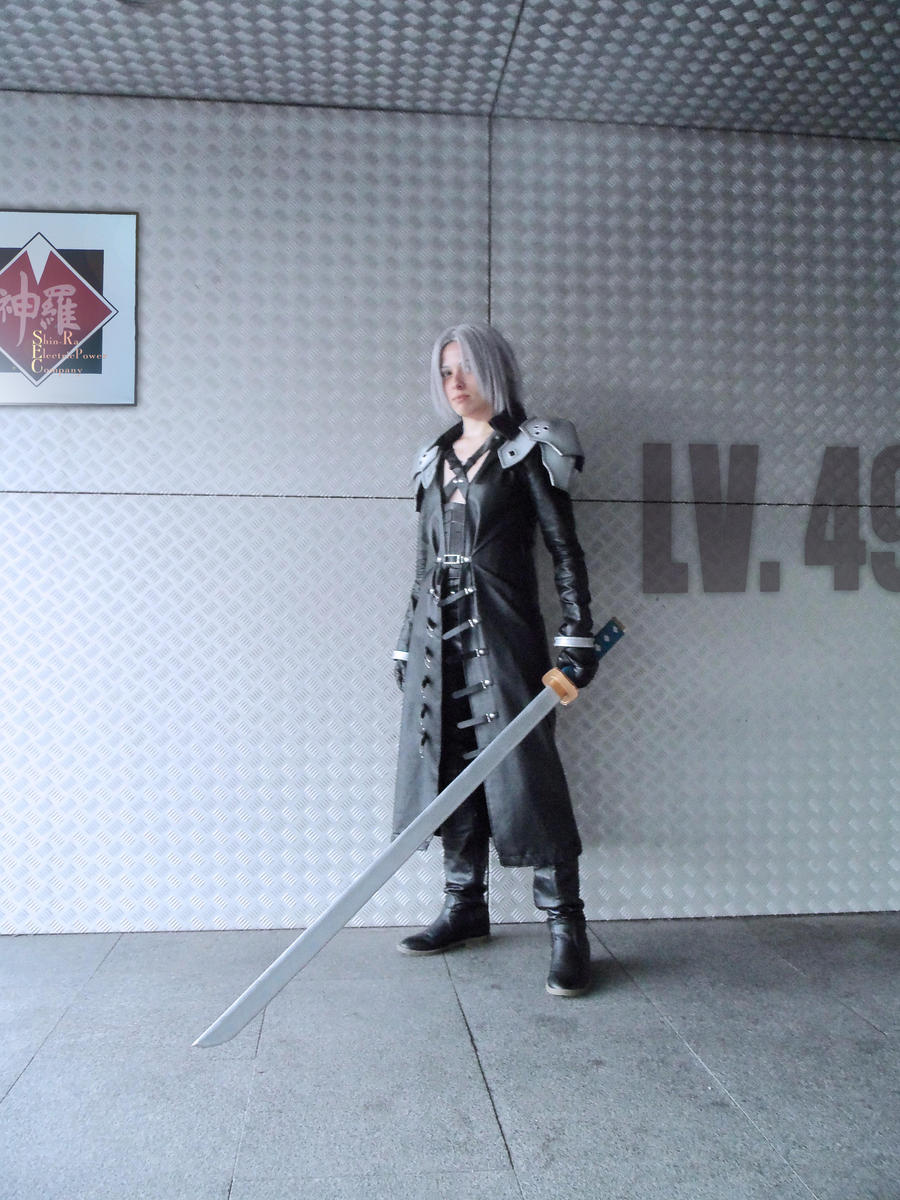Sephiroth Cosplay by mmmhOmoshiroi